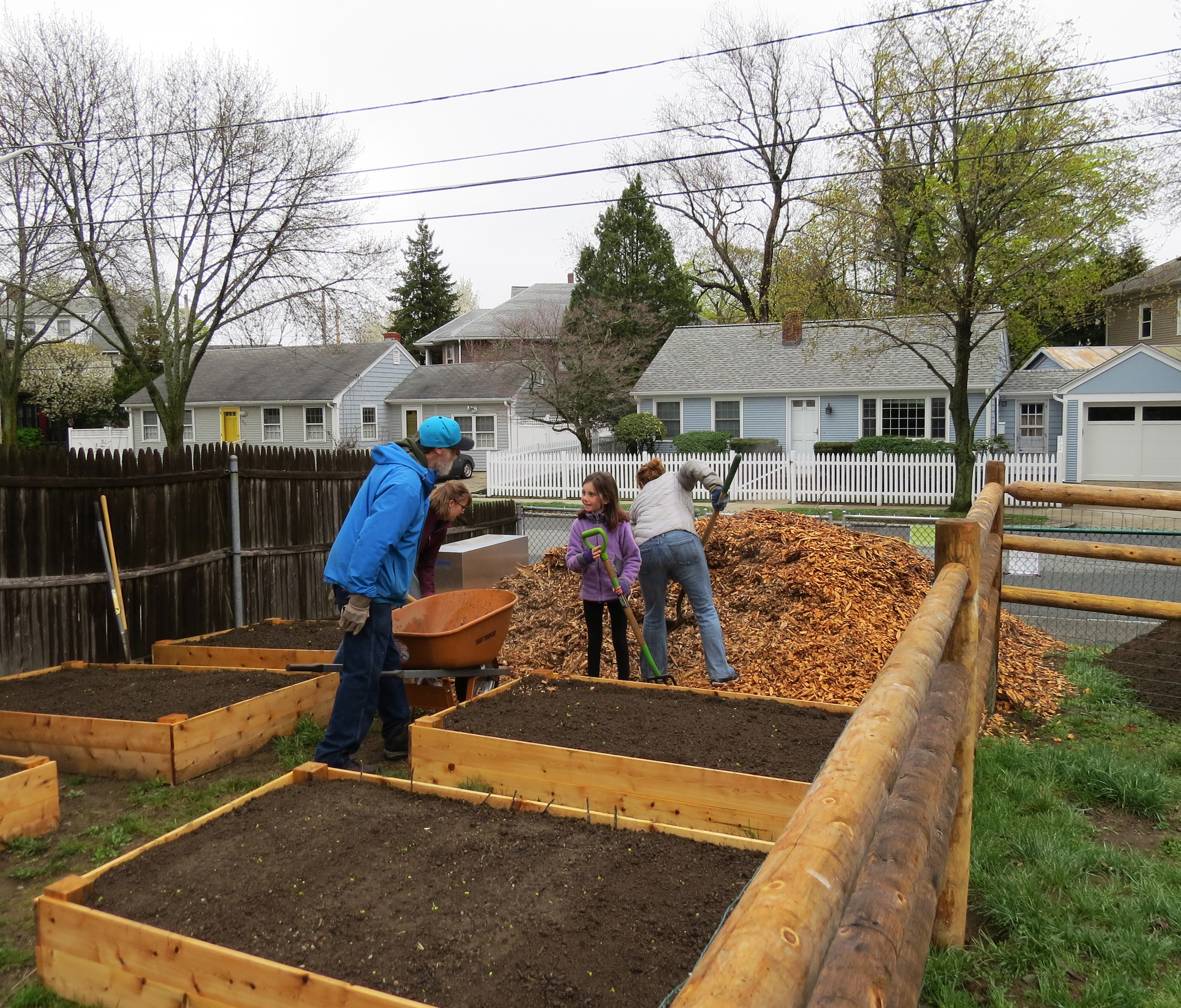 earth day 2017 – summit neighborhood community garden